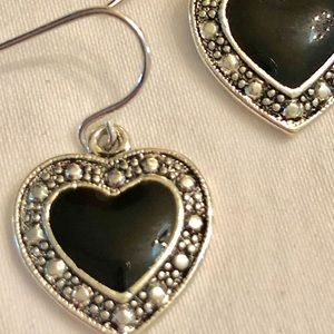 Black/silver-like heart dangle earrings